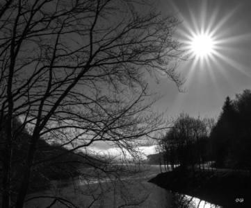 Capture solaire hivernale à l'entrée du lac du Laouzas
