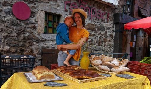 Corinne sur le marché de La Salvetat-sur-Agout