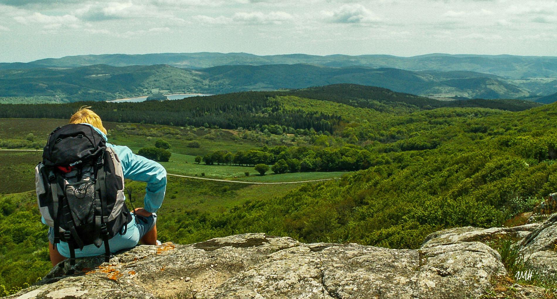 Montagne du Haut Languedoc. Monts de Lacaune. Paysage vers le lac du Laouzas
