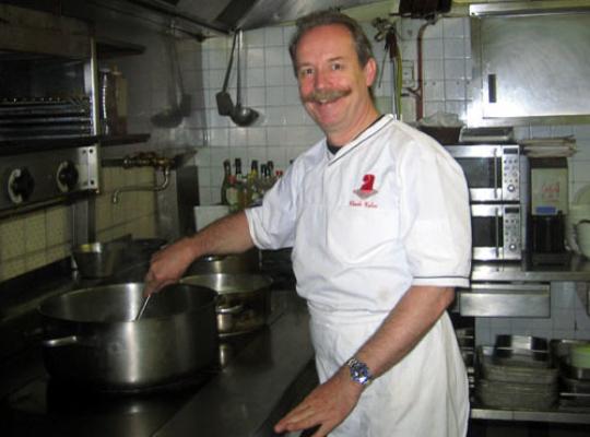 Restaurant Claude Calas Lacaune. Claude Calas en cuisine