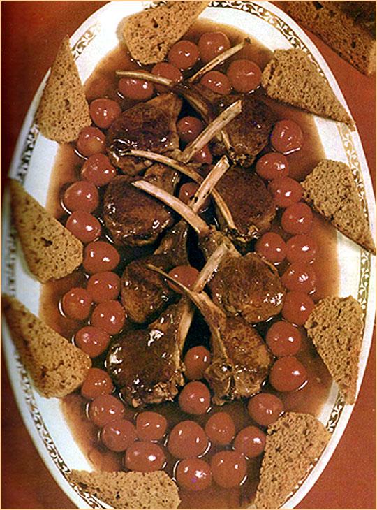 Recettes de chevreuil. Côtelettes de chevreuil aux cerises