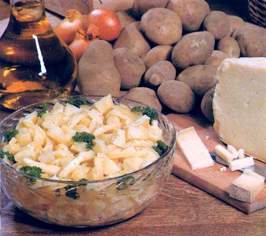 Salade de pommes de terre au cantal