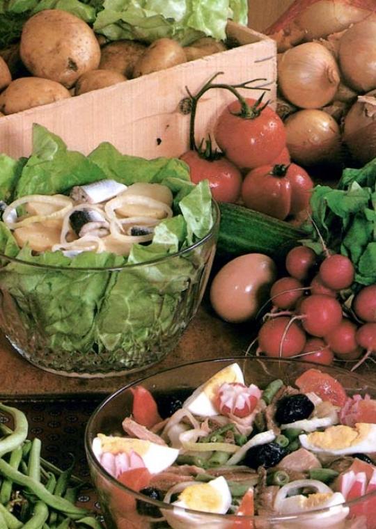 Recettes de salades de pommes de terre. A la tomate